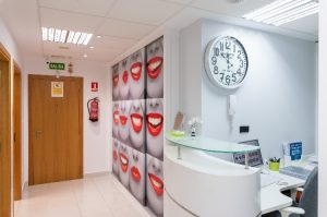 interior clinica dental carrasco y garcia